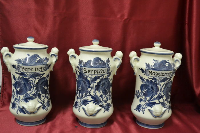 Ceramic Apothecary Vases With Lid Set Of Three Catawiki
