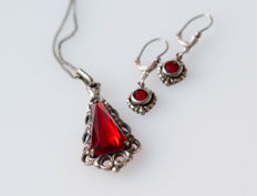 Silver set of pendant with necklace and earrings - with synthetic stones