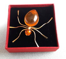 Amber brooch 24kt in the shape of a spider from Kaliningrad circa 1960