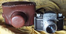 Camera Exa Ihagee Dresden from 1951 with original leather bag