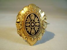 14 ct Victorian gold brooch with enamel and small freshwater pearls