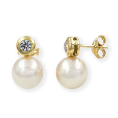 18 kt yellow gold - Earrings - Akoya pearl of 8.10 mm - Earring height: 13.85 mm