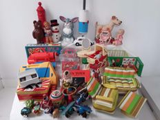 Collection of 44 vintage toys from the 50s, 60s and 70s