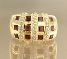 18 kt yellow gold ring set with ruby and 75 brilliant cut diamonds, approx. 0.75 ct in total, ring size 16.5 (52)
