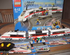 City - 7897 - Passenger Train