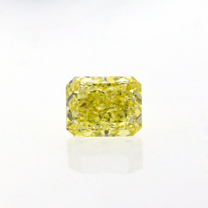 2.02 Ct. Natural Fancy Yellow Radiant shape VS2 Diamond, GIA Certified