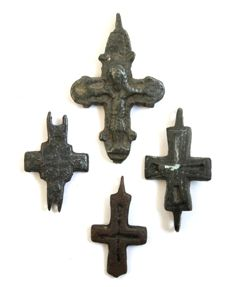 4 gate from Medieval bronze Crusaders Reliquary Pendant (double crosses-engolpiones), 1 depiction of Jesus Christ -  mm /  mm(4)
