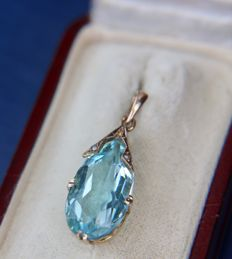 ca. 1910/1940 handcrafted 14kt. yellow gold pendant with drop faceted natural blue Aquamarine approx. 3.60Ct.