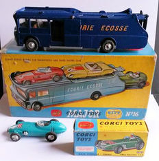 Corgi (Major) Toys - Scale 1/43 - Gift Set No.16 Ecurie Ecosse Transporter Truck and BRM No.152S