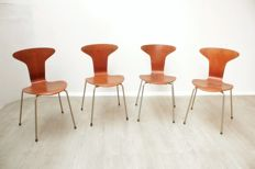 "Arne Jacobsen chairs for Fritz Hansen - Set of four ""Mug"" chairs, model 3105"