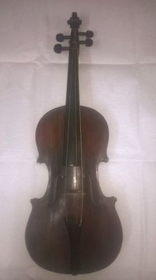 ANTIQUE 4/4 VIOLIN from the 18th-century