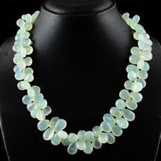 Aqua Chalcedony necklace with 18 kt (750/1000) gold, length 50cm