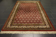 Magnificent hand-knotted oriental palace carpet, Sarouk Mir, 170 x 240cm, made in India, best highland wool