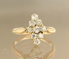 18 kt Rose gold ring in marquise shape, set with 9 Bolshevik cut diamonds, approx 0.60 carat in total
