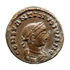 Roman Empire - Constantine II (317 - 337 A.D.) bronze follis (3,49 g, 17 mm) from Lugdunum mint (321 A.D.) BEATA TRANQVILLITAS. C / R. PLG