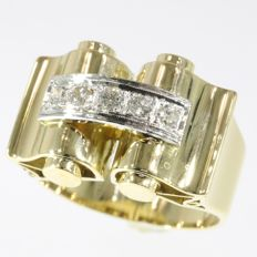 18K gold retro ring set with 3 old european cut brilliants and 2 8/8 - 1945