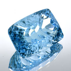 Swiss blue topaz - 13.02 ct