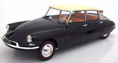 Premium Classixxs - Scale 1/12 - Citroen DS 19 1960 -Colour black/Beige