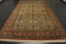 Royal hand-knotted oriental palace carpet, Kayseri Herreke floral pattern, made in Turkey, rug, 200 x 310 cm