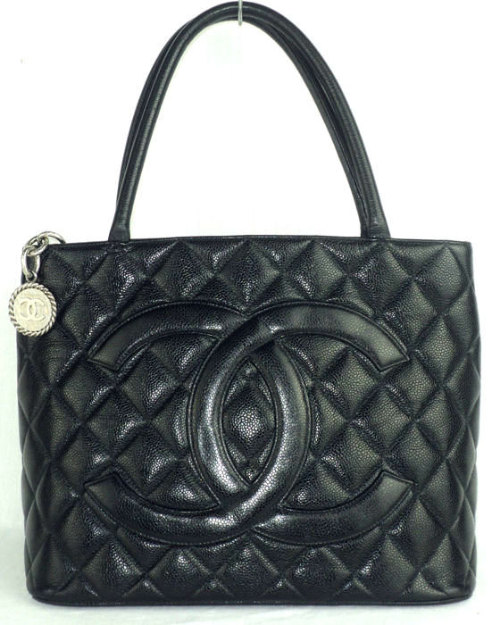 e49c8161b201 Chanel - Black Caviar Leather Diamond Quilted CC Medallion - Large Tote  Shoulder Bag