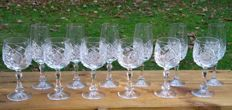 Exceptionally beautifully cut crystal glasses, 6 champagne and 6 wine glasses - Cristallerie Royal de Bayel
