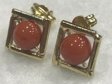 18 kt Gold earrings with Mediterranean coral – Handmade – Coral of 5 mm