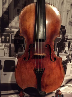 Amazing violin, labelled Franzesko Ruggeri