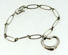Tiffany & Co - Sterling silver bracelet with heart pendant, London 2007 - Length : 18.5 cm