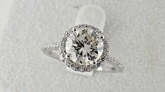 2.84 Ct round diamond ring made of 14 kt white gold - size 7.5