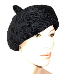 Classy black beret made out of Parisian lamb fur fur cap hat cap fur