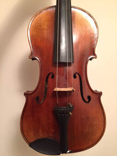 Fine German viola labelled Stradivarius