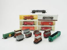 Model Power/Lima//Peco N - 19 x different freight cars of the BR and American railroads