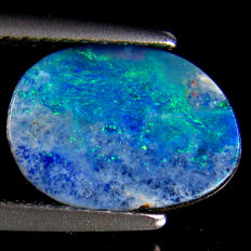 Blue Green Flashing Opal Doublet  - fine quality  10.8 x 7.7 x 2.7 mm  1.85 ct