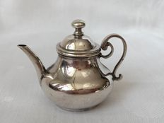 Silver miniature tea pot or kettle, 1737, Willem van Strant, Amsterdam.