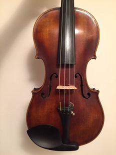 Amazing violin, one piece back
