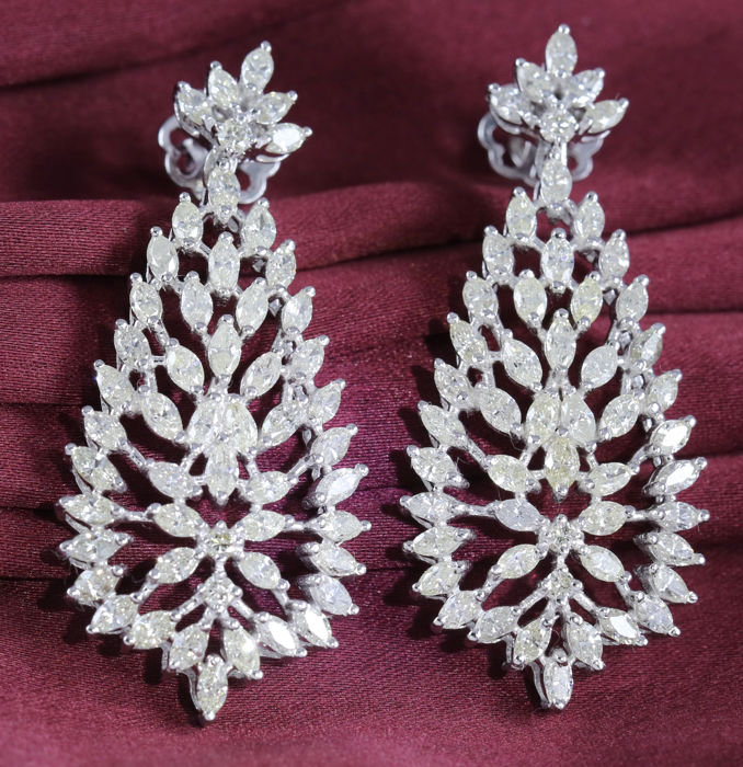 IGI Certified Long and Large White Gold 7.59 ct. Diamond Earrings