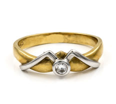 18 kt (750/000) white and yellow gold ring with diamond of 0.07 ct - Size: ES 13