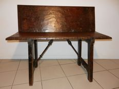 Spanish rustic bench from the late 17th/18th century