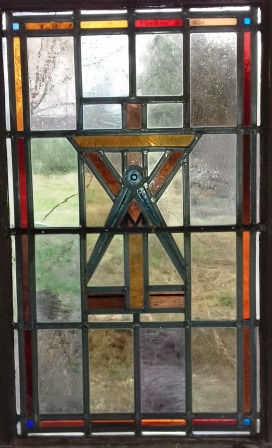 Five stained glass panes (window elements) - Glass artist Richard Sussmuth (1900-1974) - Freemasonry symbols or professional attributes of architects, builders, woodworkers, master builders and key makers.