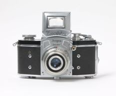 Ihagee Kine Exakta model 1 - version 2 with squared magnifying glass from 1938 with Carl Zeiss Tessar 3.5 / 5 cm