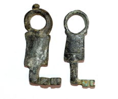 Selection of 2 Ancient Roman Iron Keys - 53-56 mm (2)