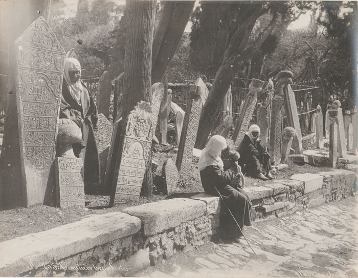 Sebah and Joaillier (19th century) - Turkish cemetery in Constantinople, Turkey