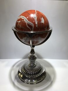 Red Jasper ball mounted in silver - Antonio Martinez - Spain - 21st century