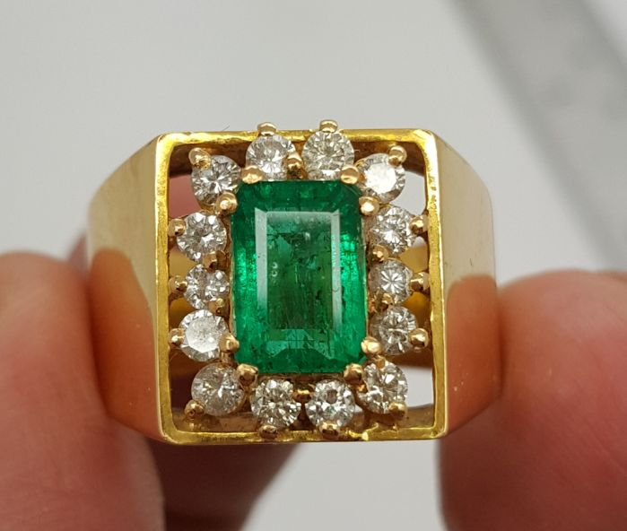 21K Natural Gold Ring With Emerald and Diamonds - Ring size is 20mm.