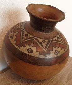 Pre-Columbian large Huari pottery with decoration - Peru - 21 cm