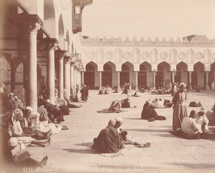 Félix Bonfils (1831-1885) - Patio of the El Azhar Mosque with believers, Egypt