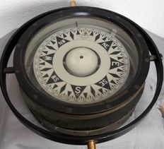 Observer - very large compass