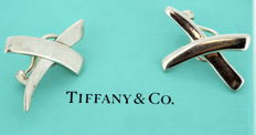 Tiffany & Co ( Design By Paloma Picasso ) - Sterling silver clip on earrings, Spain 1985 - Size: 2.6 x 1.7 x 1 cm