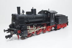 Fleischmann H0 - 4124 - Steam locomotive with pulled tender BR 53 of the DRG