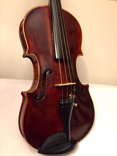 Fine old violin, beautiful sound